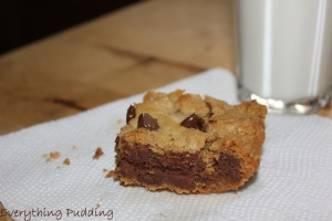 Peanut Butter Chocolate Chip Bars-Ooey Gooey bars, find out more from Everything Pudding
